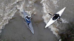 Surf sous le pont